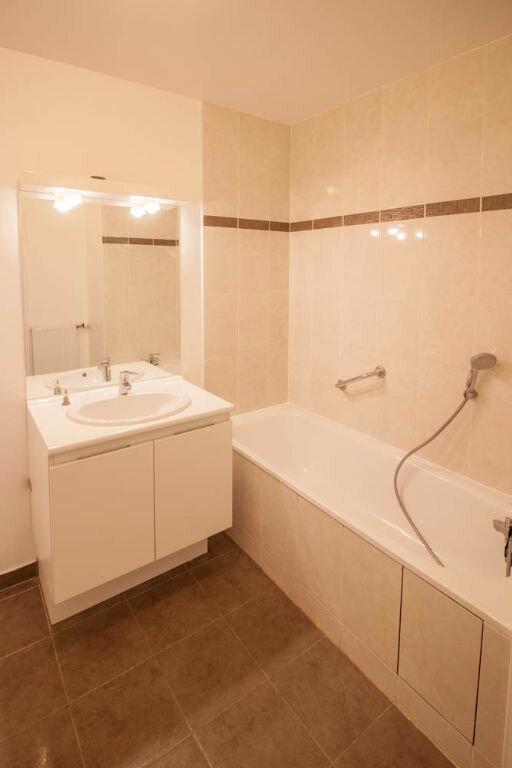 Appartement à louer 3 65.01m2 à Osny vignette-5