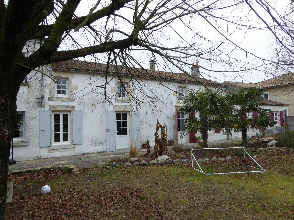Maison à vendre 11 248m2 à Courçon vignette-5
