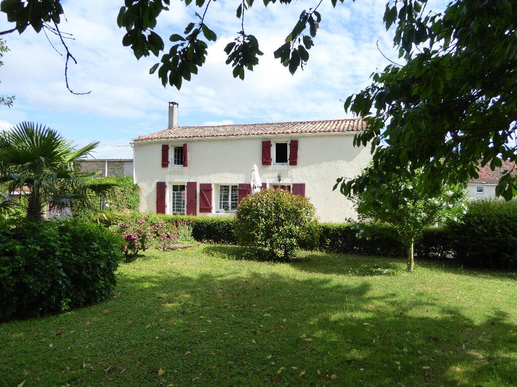 Maison à vendre 6 166m2 à Saint-Cyr-du-Doret vignette-1