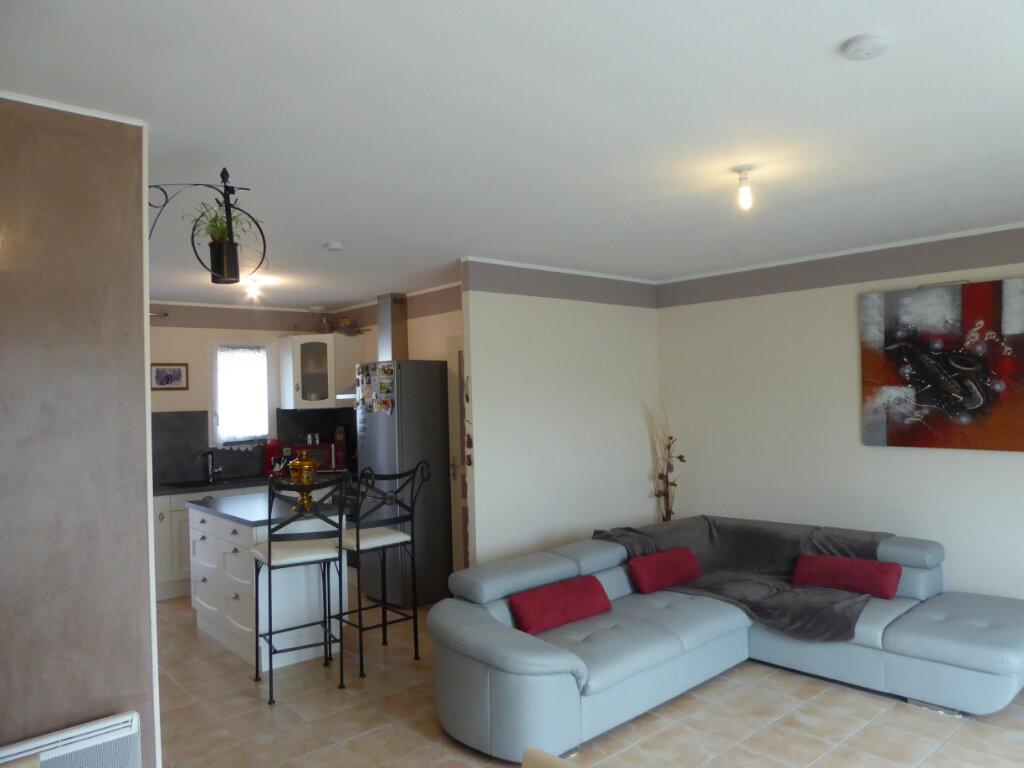 Maison à vendre 4 73m2 à Saint-Jean-de-Liversay vignette-2