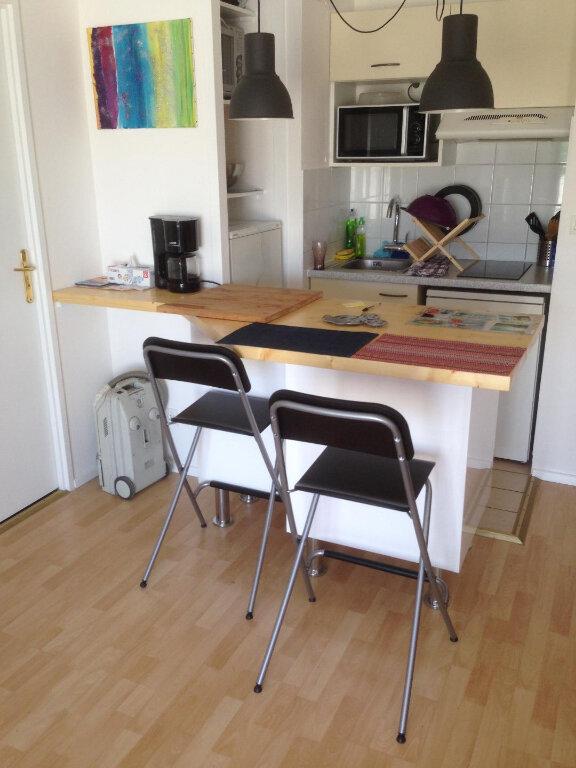 Appartement à louer 2 32m2 à Chassieu vignette-3
