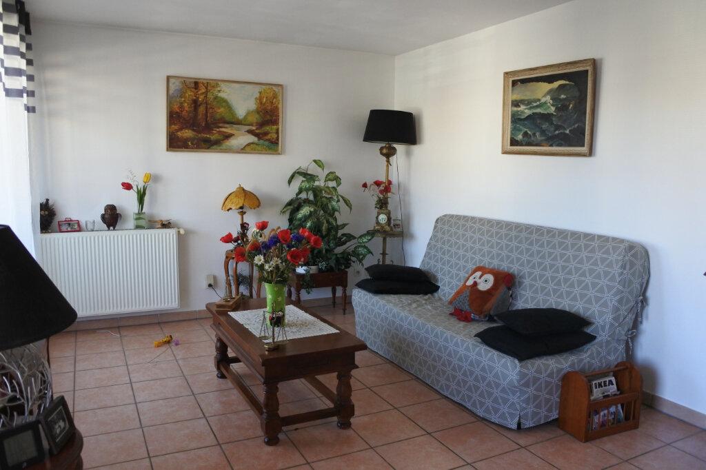 Appartement à vendre 3 69m2 à Décines-Charpieu vignette-1