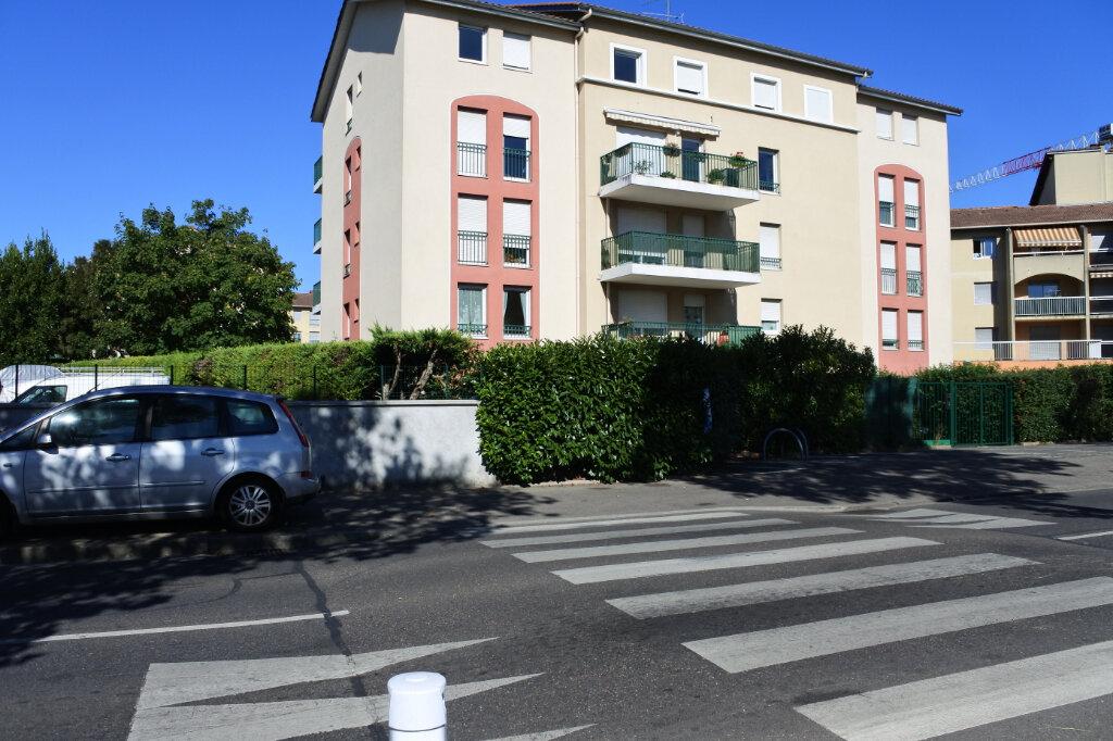Appartement à vendre 3 69m2 à Décines-Charpieu vignette-3