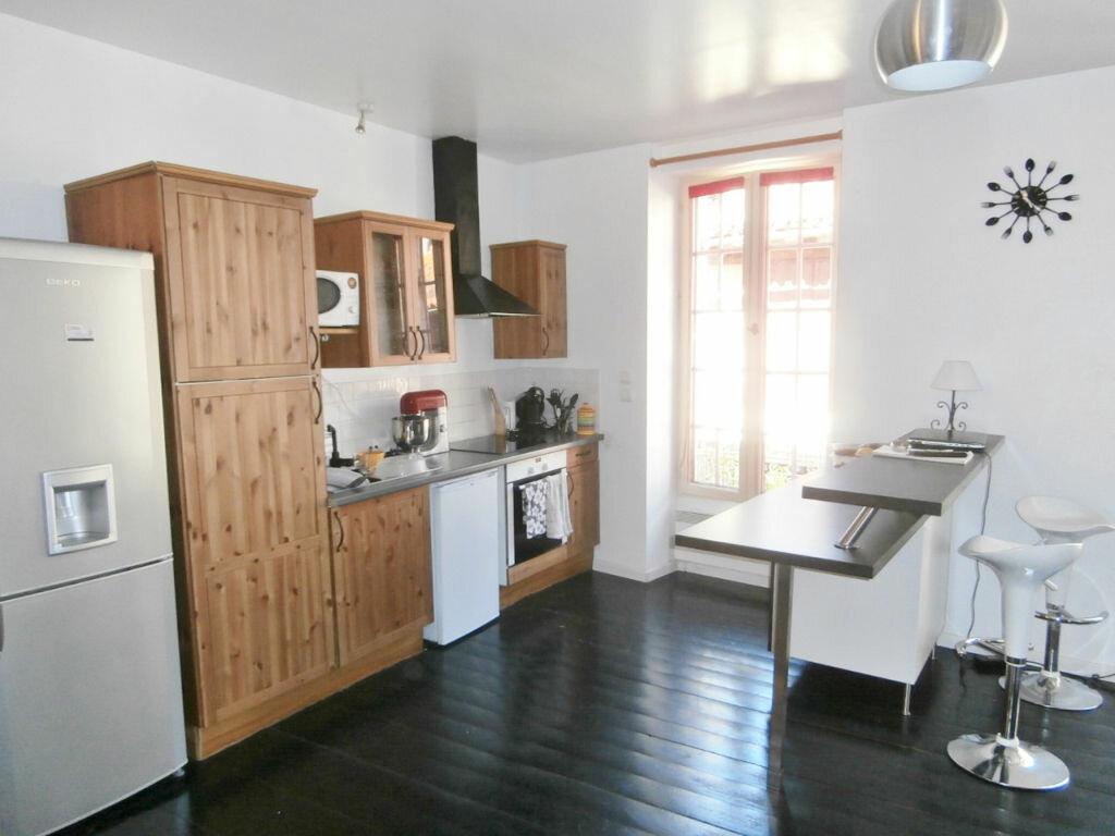 Appartement à louer 4 126m2 à Issigeac vignette-2