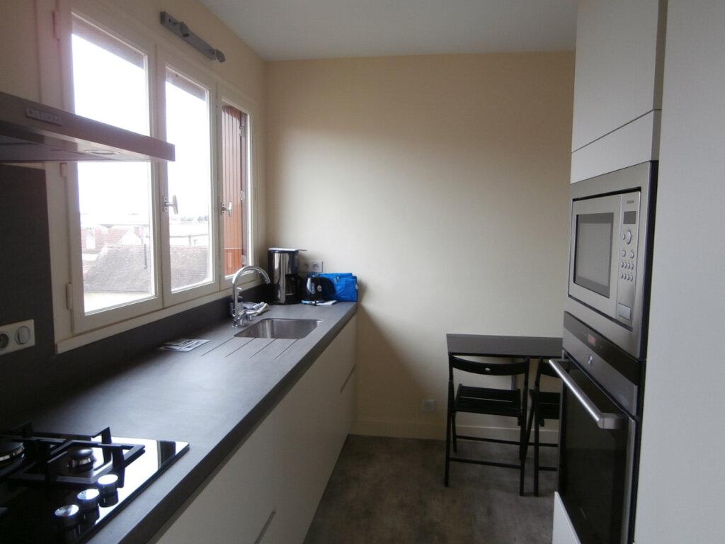 Appartement à louer 4 91.39m2 à Bergerac vignette-2
