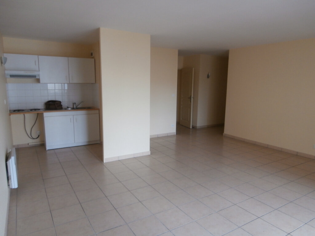 Appartement à louer 3 67.26m2 à Bergerac vignette-1