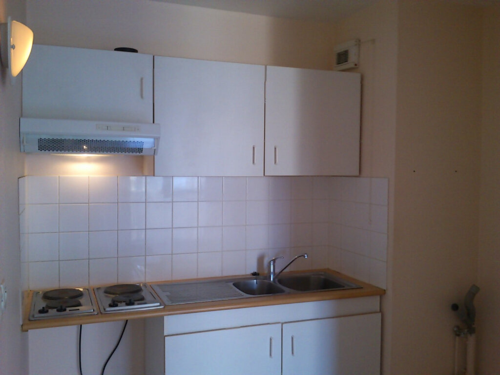 Appartement à louer 3 67.26m2 à Bergerac vignette-3