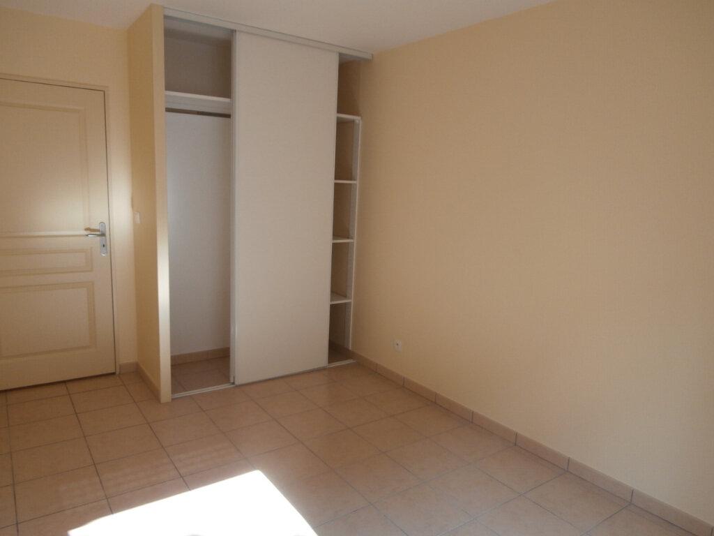 Appartement à louer 3 67.26m2 à Bergerac vignette-5