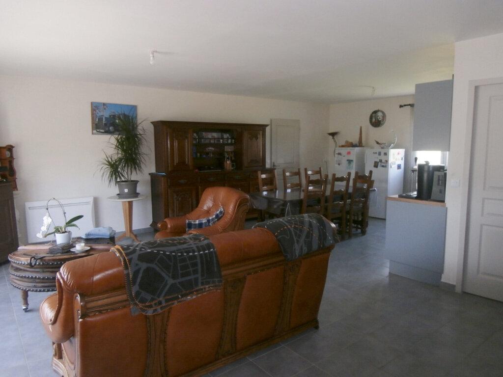 Maison à louer 5 119m2 à Mouleydier vignette-2