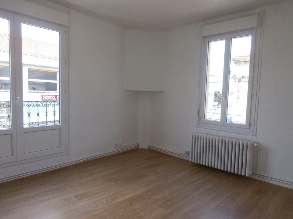 Appartement à louer 2 40.2m2 à Bergerac vignette-1