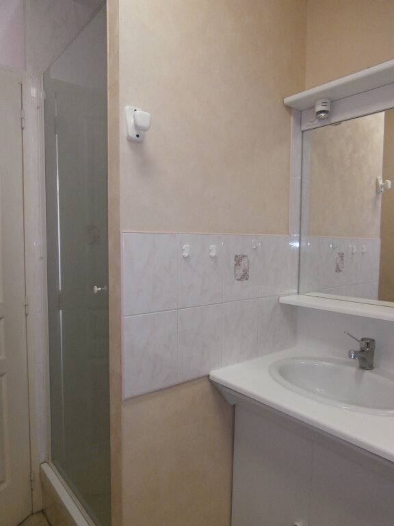 Appartement à louer 3 60m2 à Bergerac vignette-3