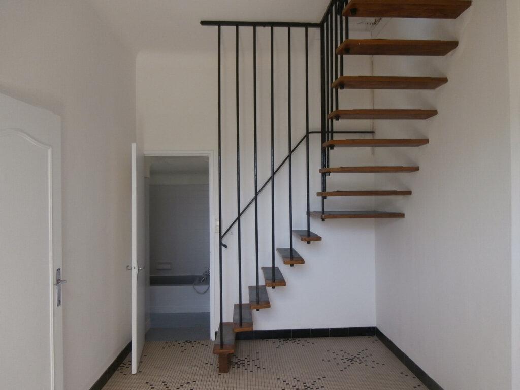 Maison à louer 4 105.15m2 à Bergerac vignette-6