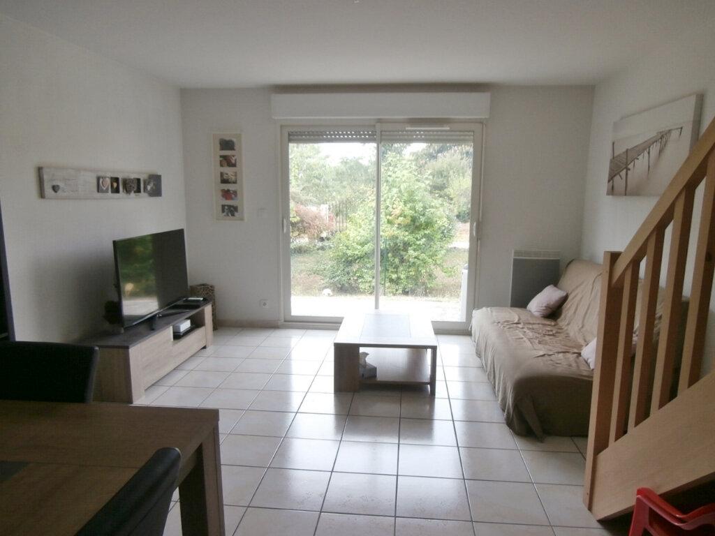 Maison à louer 3 65.69m2 à Bergerac vignette-1