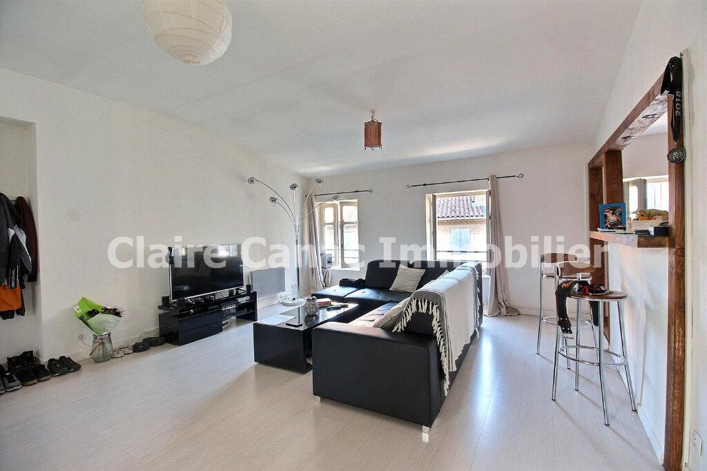 Appartement à louer 3 65m2 à Castres vignette-2