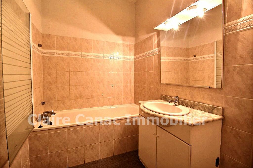 Appartement à louer 3 56.9m2 à Castres vignette-5