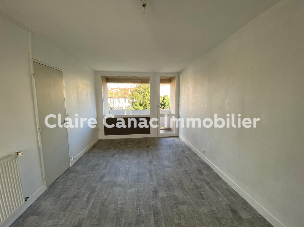 Appartement à louer 3 70m2 à Castres vignette-2