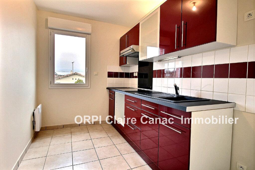 Appartement à louer 3 64m2 à Lavaur vignette-3