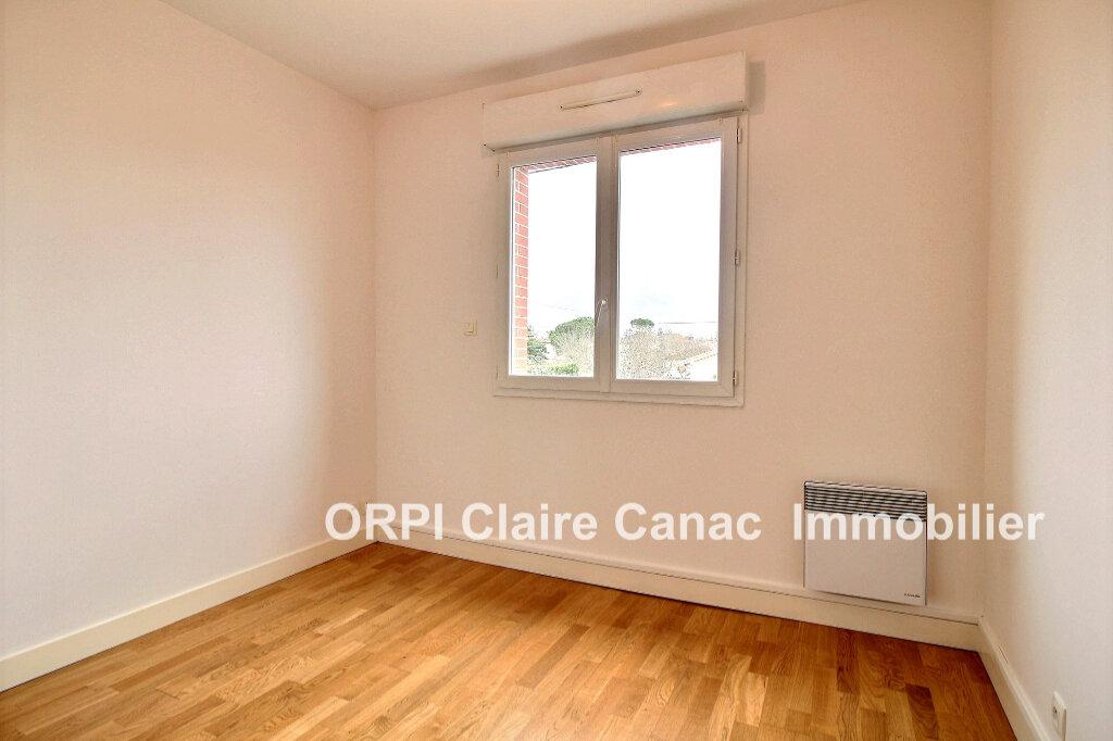 Appartement à louer 3 64m2 à Lavaur vignette-4