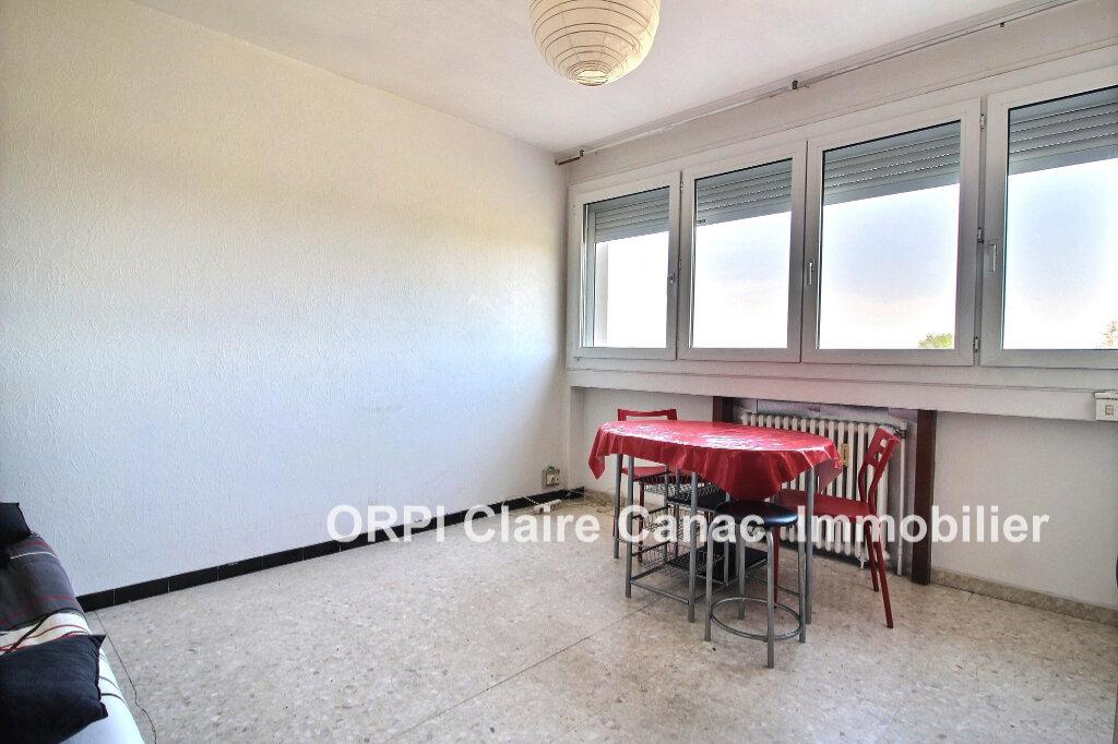 Appartement à louer 1 24.8m2 à Lavaur vignette-2
