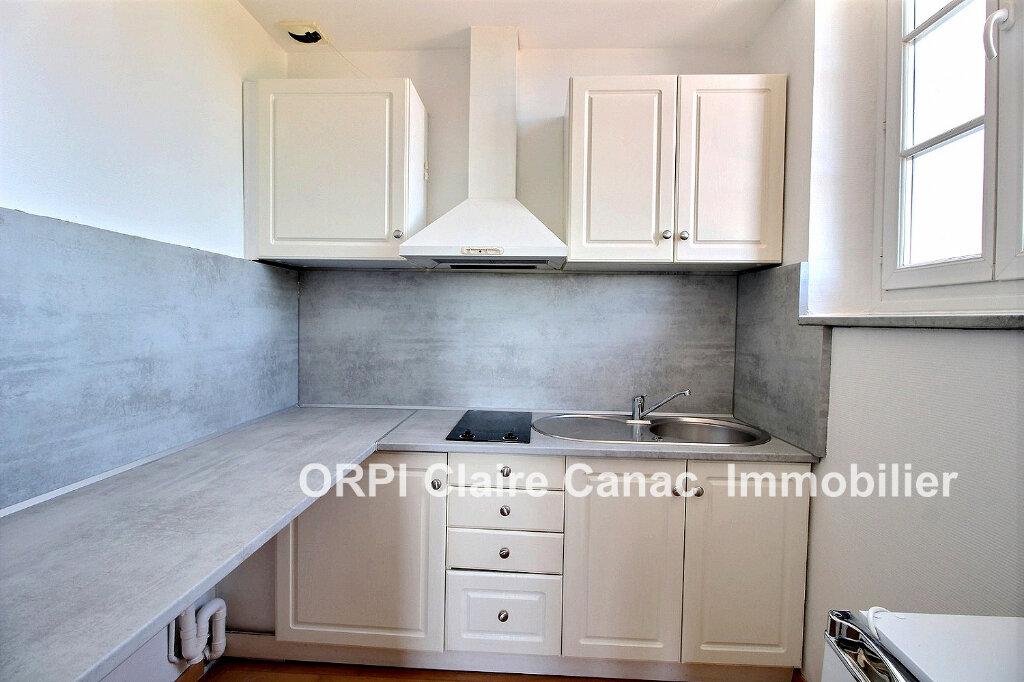 Appartement à louer 2 40m2 à Saint-Sulpice-la-Pointe vignette-5
