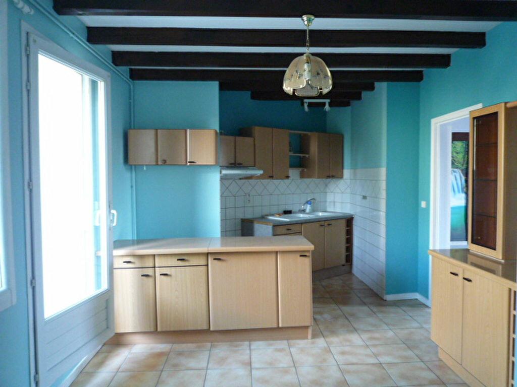 Appartement à louer 3 82m2 à Lavaur vignette-2