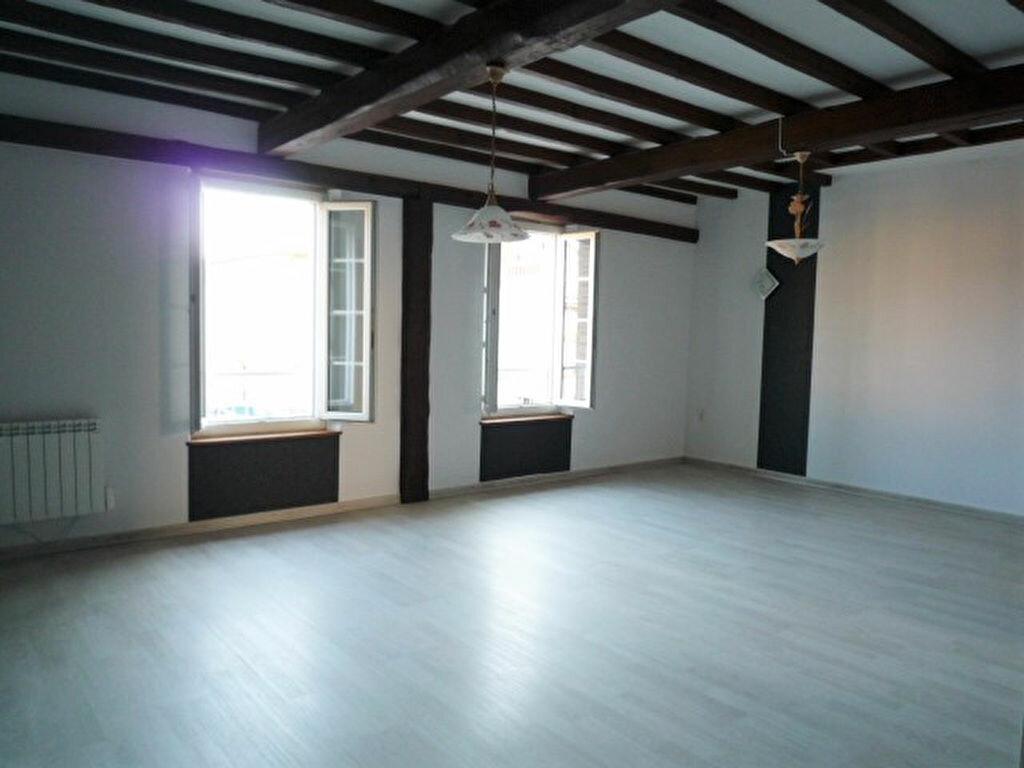 Appartement à louer 3 82m2 à Lavaur vignette-3