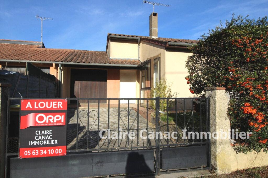 Maison à louer 3 64m2 à Lavaur vignette-1