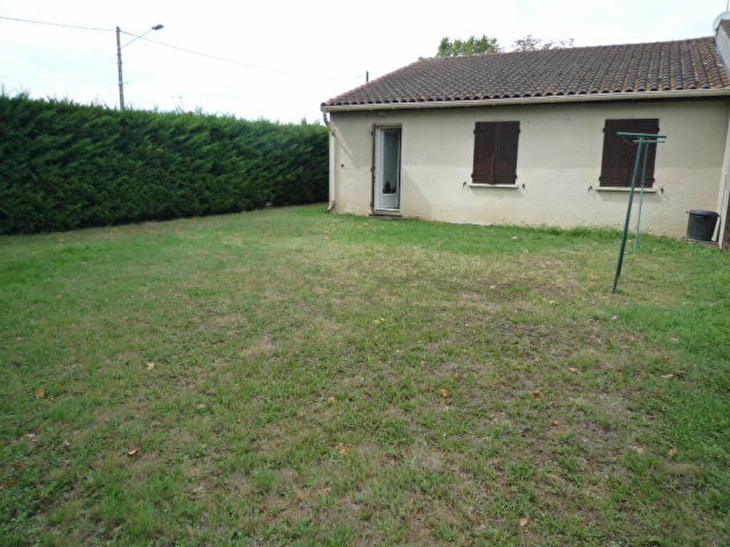 Maison à louer 3 74m2 à Lavaur vignette-3