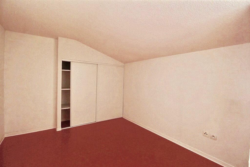 Appartement à louer 3 59.62m2 à Castres vignette-6