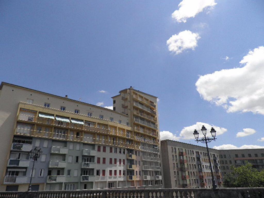 Appartement à louer 4 70.68m2 à Castres vignette-1