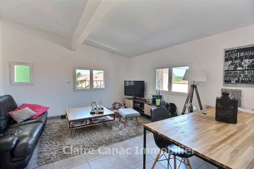 Appartement à louer 3 67.82m2 à Labruguière vignette-1
