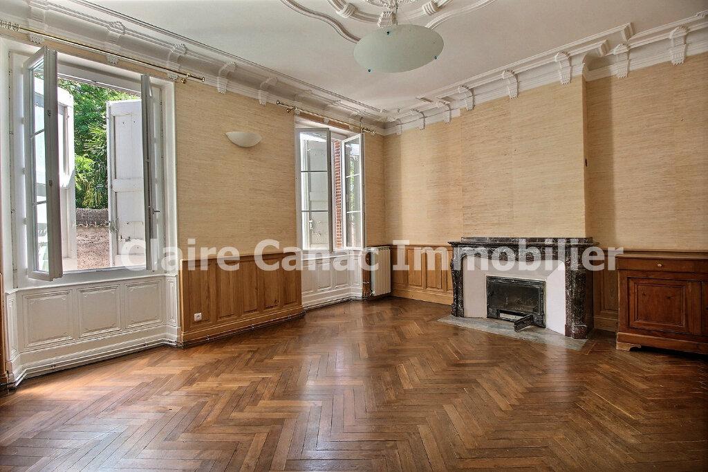 Maison à louer 6 300m2 à Saint-Sulpice-la-Pointe vignette-4
