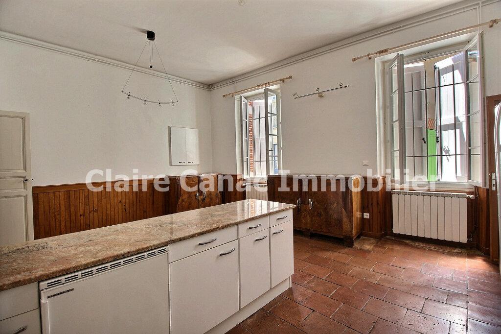 Maison à louer 6 300m2 à Saint-Sulpice-la-Pointe vignette-9