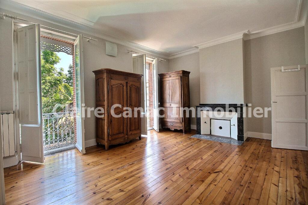 Maison à louer 6 300m2 à Saint-Sulpice-la-Pointe vignette-11