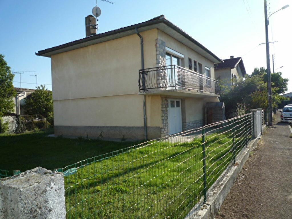 Maison à louer 4 80m2 à Saint-Sulpice-la-Pointe vignette-8