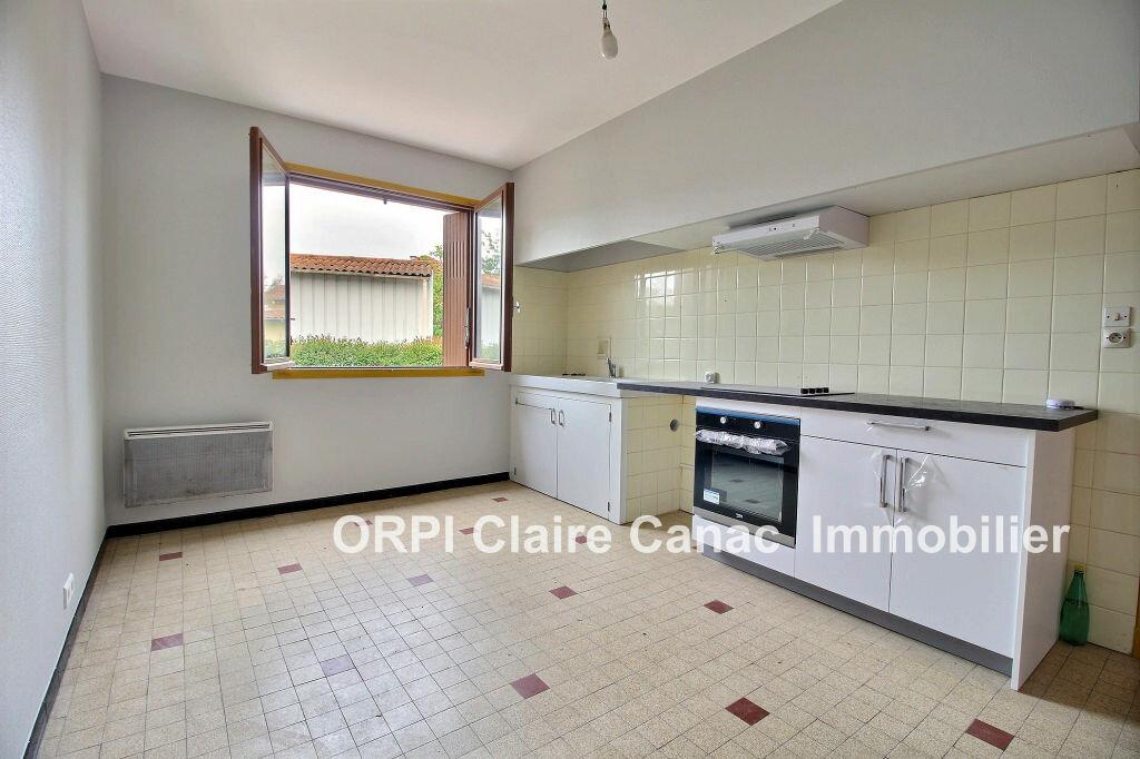 Maison à louer 5 110m2 à Labastide-Saint-Georges vignette-3
