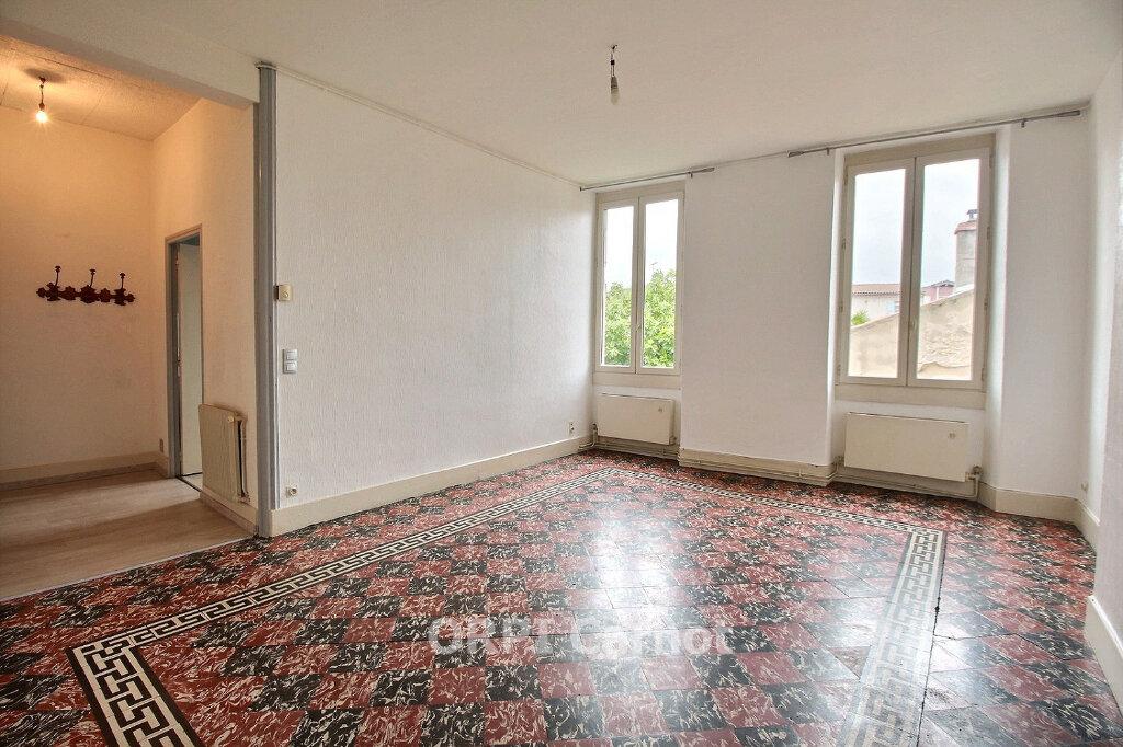 Appartement à louer 2 66.21m2 à Castres vignette-1