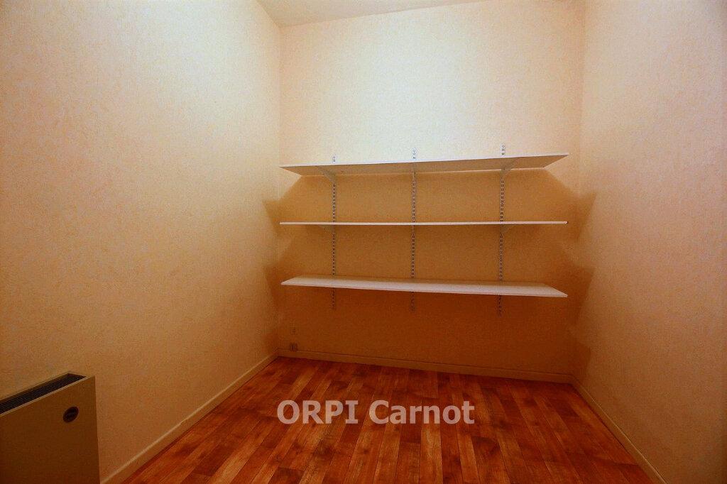 Appartement à louer 2 66.21m2 à Castres vignette-5