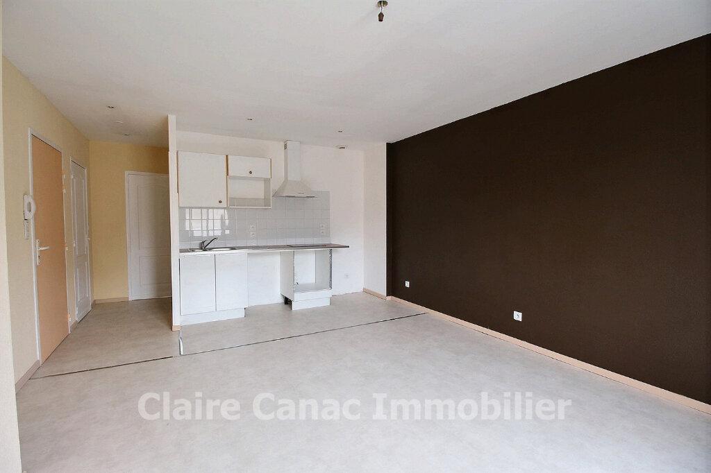 Appartement à louer 2 45.52m2 à Mazamet vignette-1