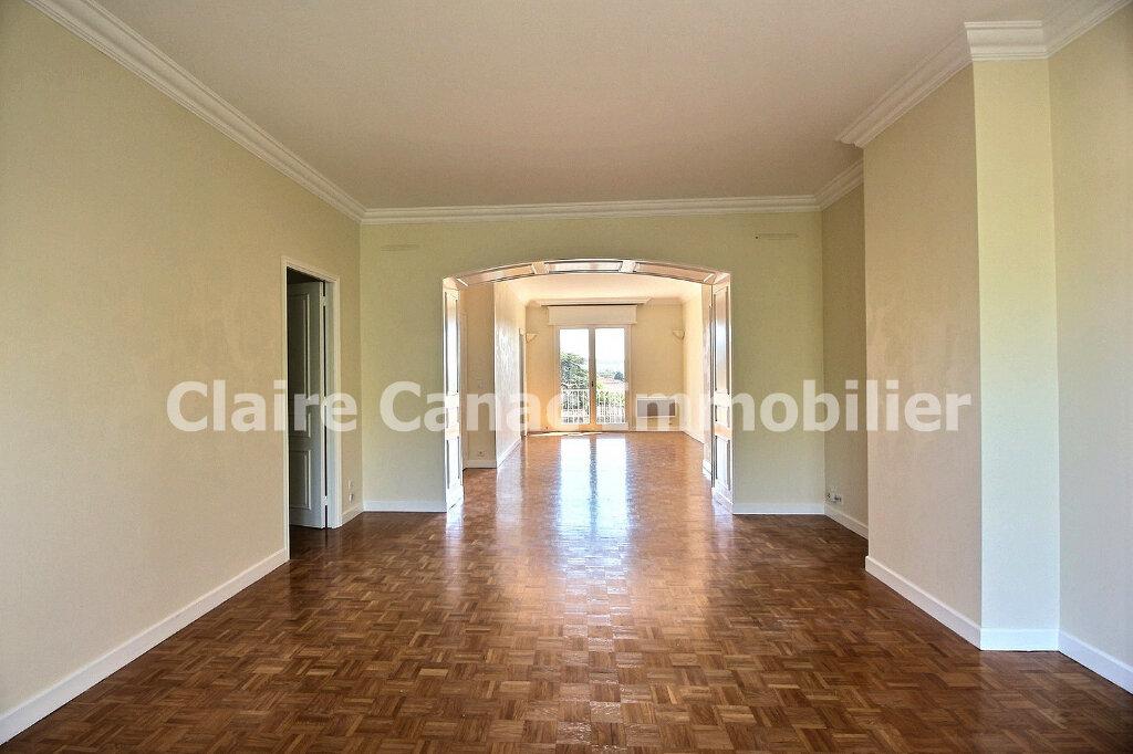 Appartement à louer 4 109.21m2 à Castres vignette-2