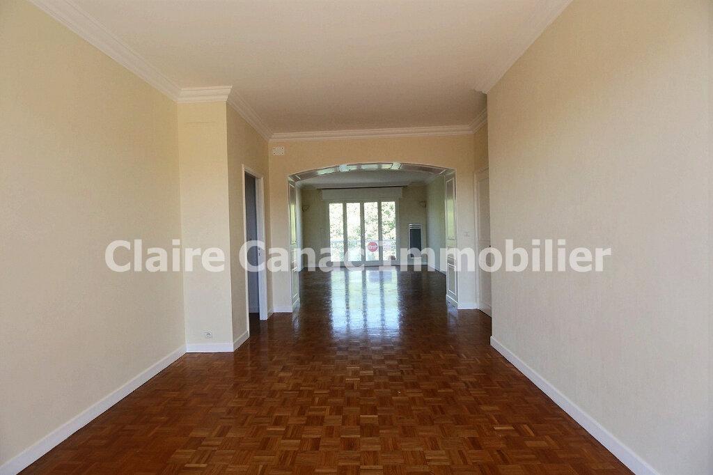 Appartement à louer 4 109.21m2 à Castres vignette-5