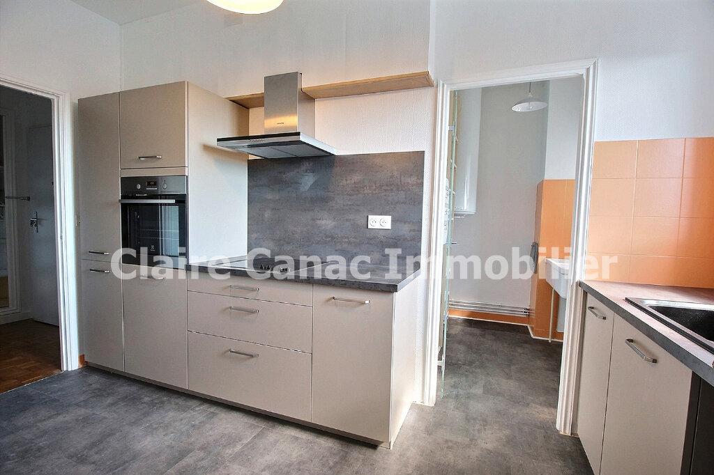 Appartement à louer 4 109.21m2 à Castres vignette-7