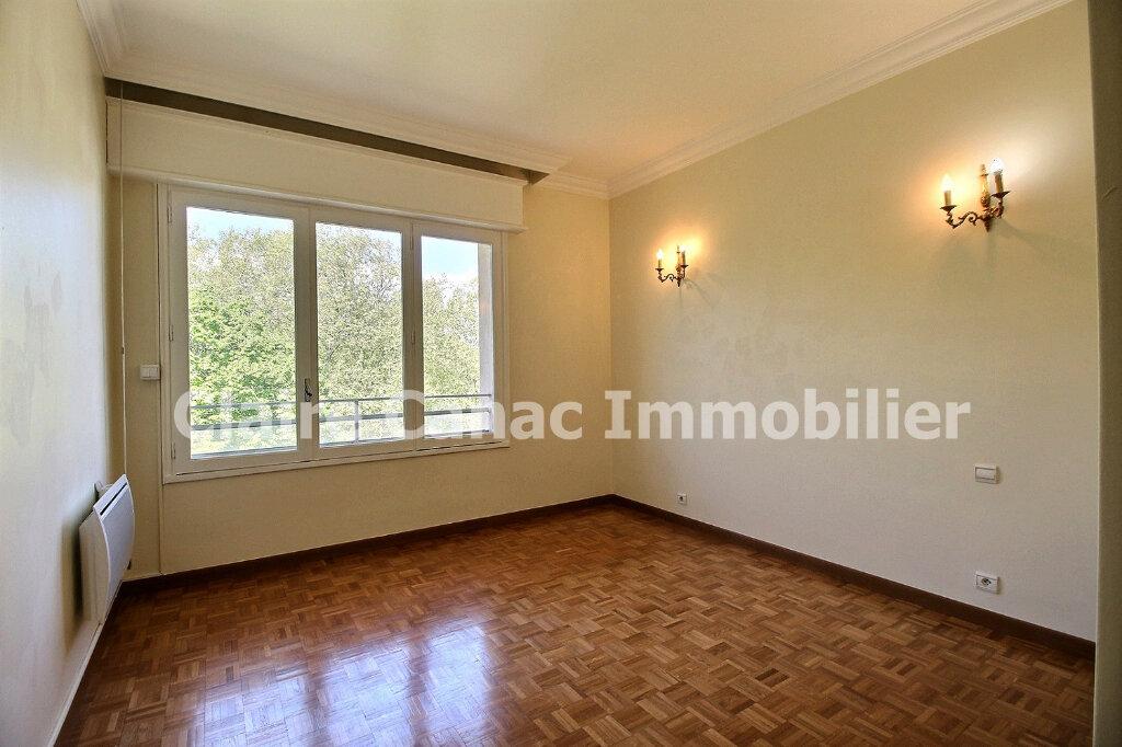 Appartement à louer 4 109.21m2 à Castres vignette-9