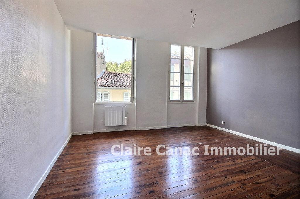 Appartement à louer 2 61.5m2 à Lavaur vignette-1