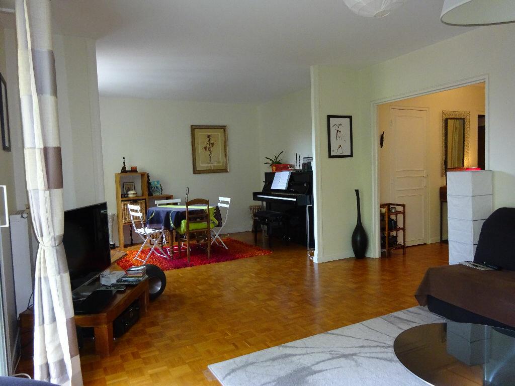 Appartement à louer 5 98.44m2 à Soisy-sur-Seine vignette-3
