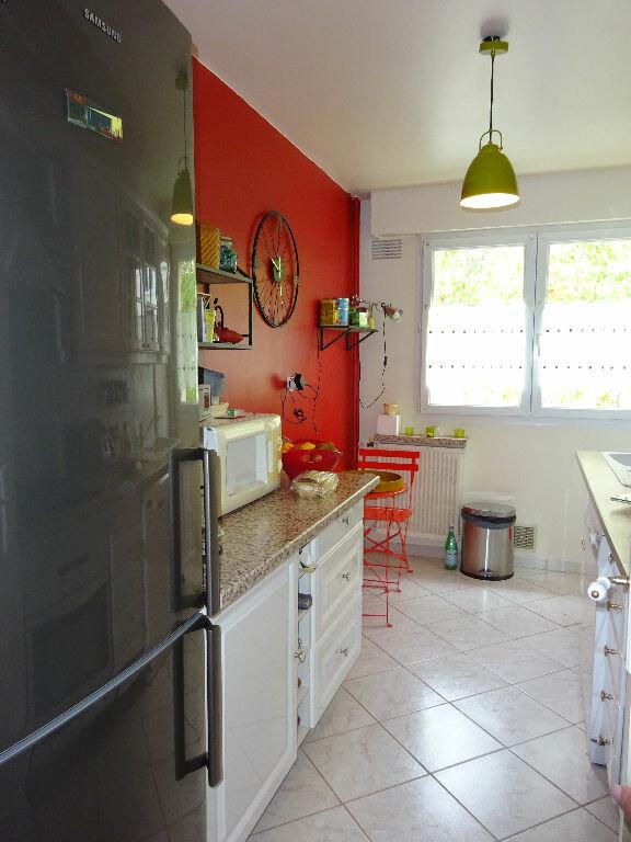Appartement à louer 5 98.44m2 à Soisy-sur-Seine vignette-4
