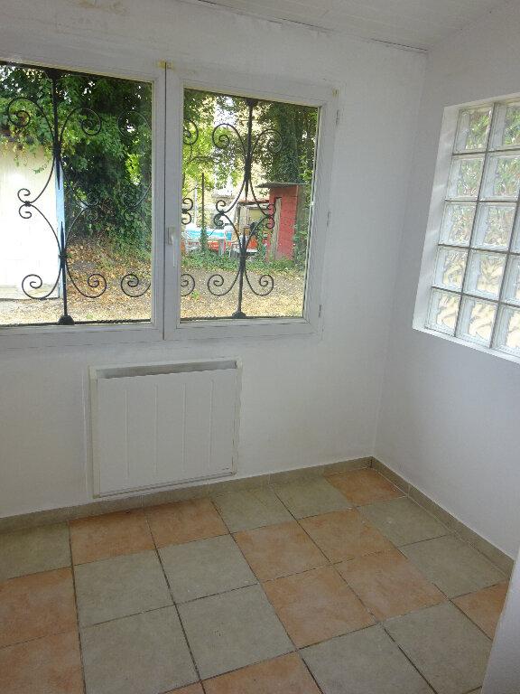 Appartement à louer 1 26.63m2 à Corbeil-Essonnes vignette-6