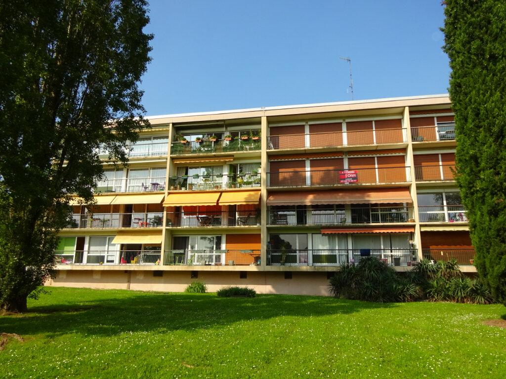 Appartement à louer 3 74.6m2 à Soisy-sur-Seine vignette-1