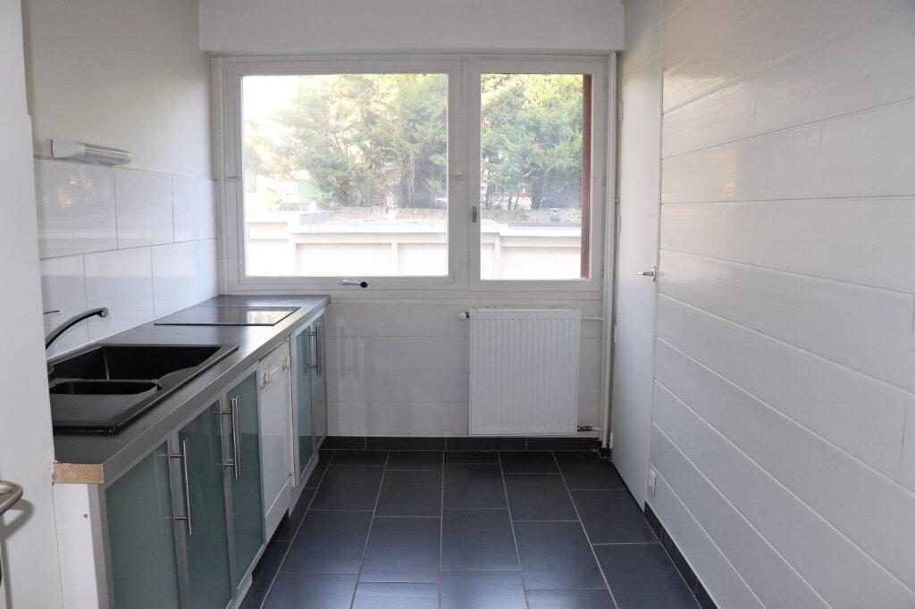 Appartement à louer 3 74.6m2 à Soisy-sur-Seine vignette-3