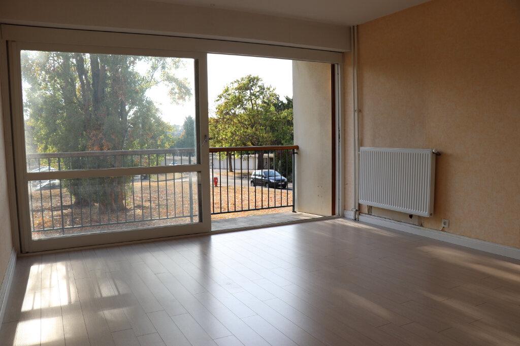 Appartement à louer 3 74.6m2 à Soisy-sur-Seine vignette-4